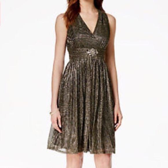 1de89a8c75eca Jessica Howard Metallic Jeweled Cocktail Dress. NWT. Jessica Howard.  M 5aa737818290af42bc762150. M 5aa737a81dffdaff2f04632b.  M 5aa73603d39ca23095426916